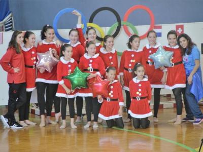 Debut da escola de ximnasia ritmica en Ourense no torneo de Nadal.